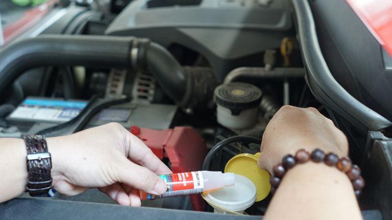 Dịch vụ rửa xe ô tô giá 1 triệu