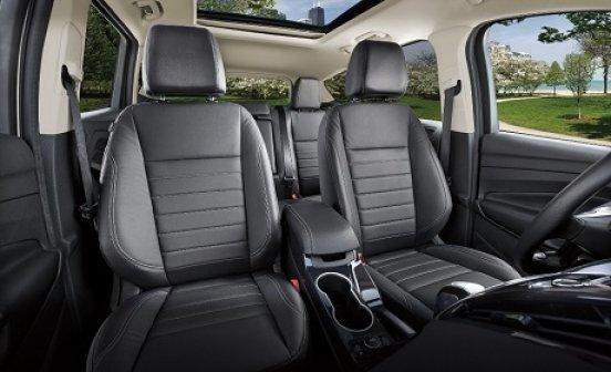 Cách vệ sinh ghế da xe hơi không làm ảnh hưởng chất lượng