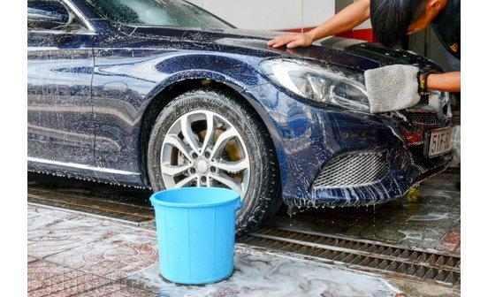5 sai lầm phổ biến của chủ xe khi tự rửa ô tô tại nhà!