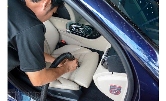Vệ sinh ghế da ô tô, rủi ro khôn lường